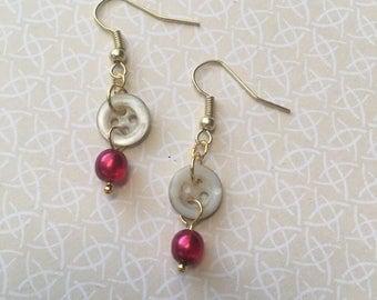 Simple button dangle earrings