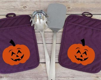 Halloween Pumpkin Kitchen Decor, October 31st Halloween Potholder, All Hallows Eve Pot Holder, Halloween Theme Purple Oven Mitt Gift