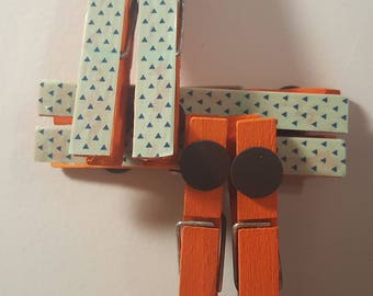 Green & Orange Magnet Clothespins/Pins / Clips 6 Pack
