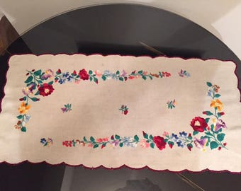 Vintage Floral Doily Dresser Scarf Red Blue Purple 1970s Vintage Home Decor