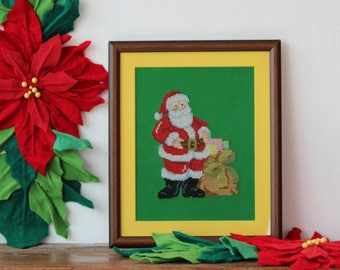 Cross stitch: Santa with gifts