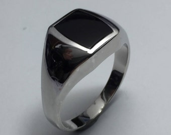 Sterling silver vintage hand crafted quality black onyx mens ring.