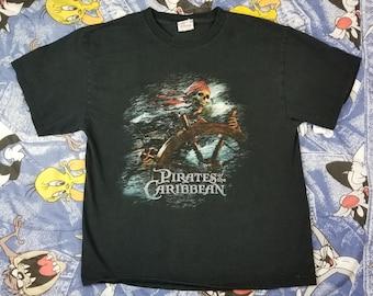 Pirates of the Caribbean Vintage Disney Shirt Skeleton Johnny Depp Size Medium