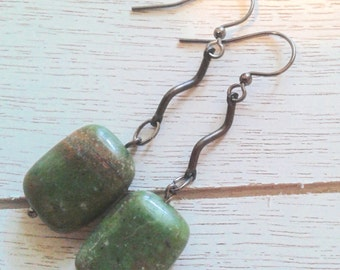 Zig Zag Green Handmade Earrings/ Everyday Wear/ Gift