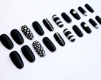 Black and white  fake nails Artificial nails Black White false nails Black white glue on nails Black white press on nails Artificial nails