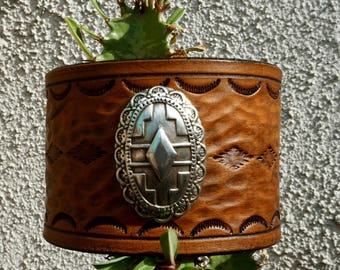 Leather Indian Warrior Cuff with plate (non-silver)