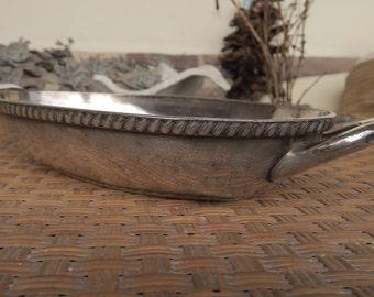 ancien plat creux en métal argenté, art de la table d'hôtellerie,le Pavillon, old hollow dish in silver metal, art of the hotel table