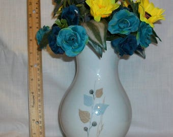 Listing 192 is a unique collectable vase with floral arrangement by andersgifts