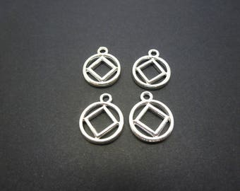 4 geometric round charms with square 18 * 14mm clear (USBA05)