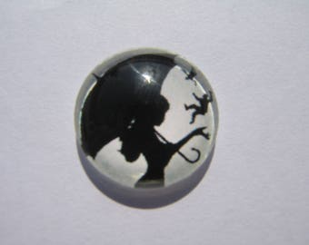 Cabochon 18 mm round domed with his umbrella woman image