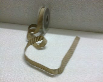 Beige Ribbon (stranded 841) with large brown lines 1.5 cm