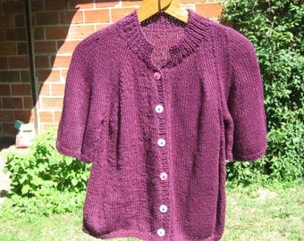 Short sleeves, plum wool collar Cardigan.