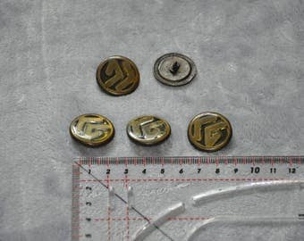 Set of 5 vintage - good condition - resin and metal shank buttons