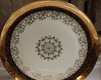 Gorgeous Johann Seltmann Vohenstraub Qualitats-Porzellan Round Serving Platter - Bavaria