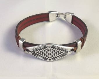 Bracelet brown leather, metal diamond plate