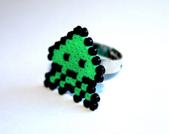 Ring beaded - Space Invaders Green