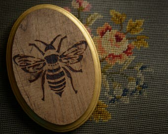 Woodburn Bee Wall Hanging