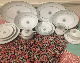 Noritake dinnerware set 6460 minuet (U.S. Design)