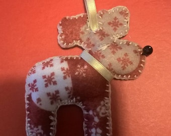 Decoration for reindeer shaped tree with hearts fabric in felt