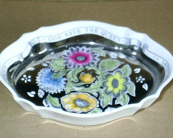 Wedgwood Susie Cooper Queen Silver Jubilee Oval Tray