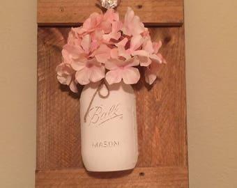 Wood and Chalk Paint Mason Jar Decor