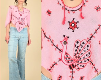 ViNtAgE 60s 70s Indian Cotton Gauze Embroidered Crop Top // Pink Bell Sleeve Shirt Bohemian Floral Artisan Hippie BoHo Gypsy Midriff S M