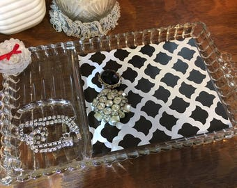 Upcycled vintage vanity tray - black and white
