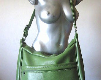 Vintage 70s Airway Industries Oversized Olive Green Faux Leather Carry On / Overnight Bag with Full Zip Closure