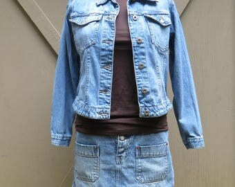 90s vintage Ann Taylor Denim Jean Jacket / Hipster indie Boho / Casual Country Western Southwestern Rodeo Ranch Wear