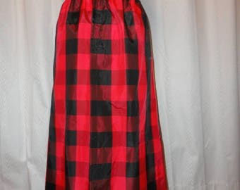 Vintage Taffeta Skirt Retro Black & Red Plaid