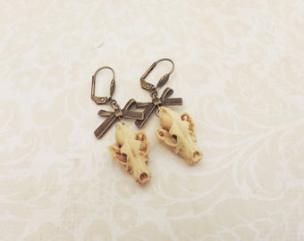 Wolf skull earrings -wolf -Curiosity -Skull jewelry- gothic steampunk jewelry - animal skull - gothic victorian-Taxidermy