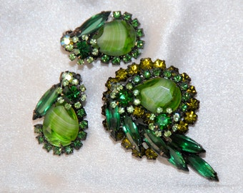 Verified Juliana D&E Brooch and Earring Demi Set, Green Givre Art Glass, Emerald Navettes, Peridot Chatons, Book Piece, Green Rhinestones