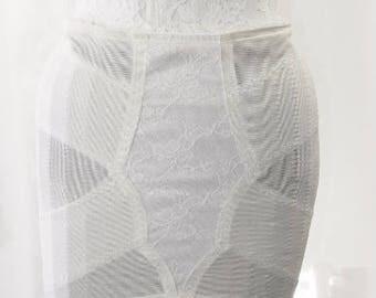 Bridal White Open Bottom Girdle 6 Leg Garter Unworn Size 77 UK