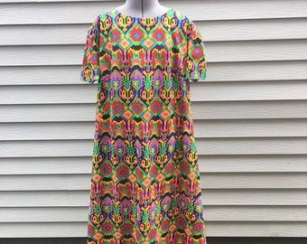 Vintage 70s Maxi Print Dress, 1970s Clothing, Women's Vintage Clothing, Plus Size Dress, Retro Dress, Sun Dress, Summer Dress, Size XL