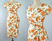 Vintage 50s ROSE Print Wiggle Dress / 1950s Ivory SILK Orange Floral ROSES Painterly Flower Hourglass Bombshell Pinup Garden Party M Medium