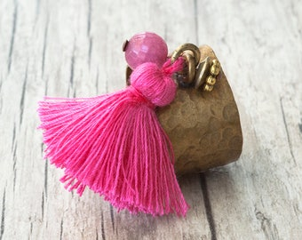Pink Tassel Dangle Charm Ring, Adjustable Hammered Brass Wide Band Boho Ring, Tassel Jewelry, Pink Jewelry, Modern Statement Ring