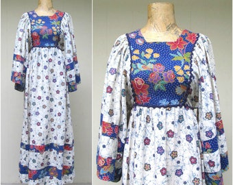 Vintage 1970s Dress / 70s Cotton Batik Floral Print Boho Festival Maxi Dress / Small