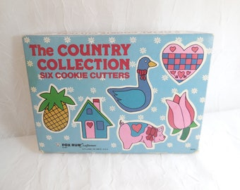 The Country Collection Six Cookie Cutters with original box, Vintage