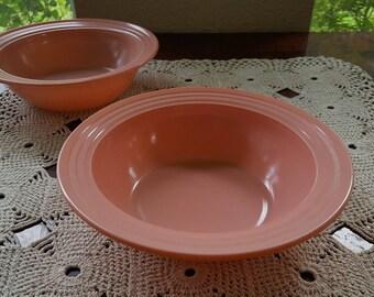 "Hazel Atlas Moderntone Platonite Pink 9"" Serving Bowl in Lovely Vintage Condition!"