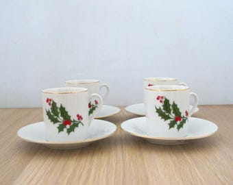 Vintage Set of Four(4) Demitasse Cups and Saucers Holly Berry Christmas Gold Trim  Mogi Made in Japan