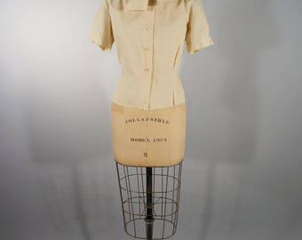 sweet relief | vintage 1960s polka dot blouse | vtg 60s top | shirt | short sleeve | m/l