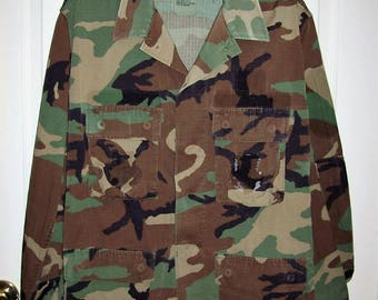 Vintage Camouflage Light Field Jacket Military Issue Medium Only 12 USD