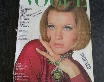 Vogue 1965 January Veruschka cover
