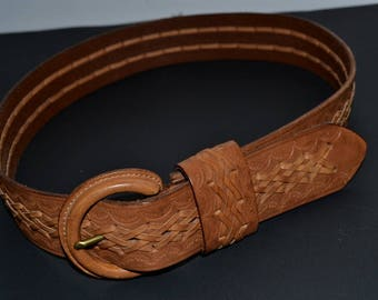 Vintage Authentic Banana Republic leather belt Brown tooled  Leather Belt Unisex size XS, fits S/M tooled weaved wide hip belt