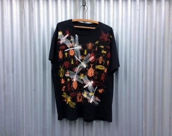 Buggy -- Black t-shirt decorated by a millue of insects -- GEAR
