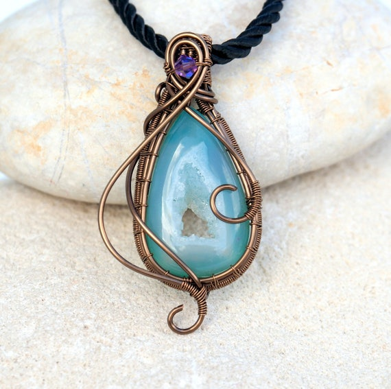 Druzy Wire wrapped pendant