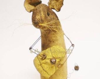 Extreme Primitive Mouse with Egg - Made To Order, Primitive Animals, Spring Decor, Country Farmhouse Decor, Easter Decor