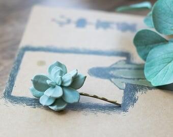Succulent hair pin - floral hair clip- succulent wedding headpiece - tropical hair clip - botanical hair accessory - garden hair clip