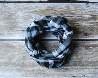 Flannel scarf toddler, buffalo plaid baby scarf, toddler Infinity Scarf, toddler plaid scarf, gray plaid scarf, Boy scarf