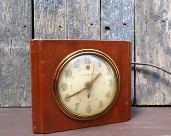Vintage General Electric Alarm Clock, Model 7H162, Gay Hour, Wood Block Electric Alarm Clock